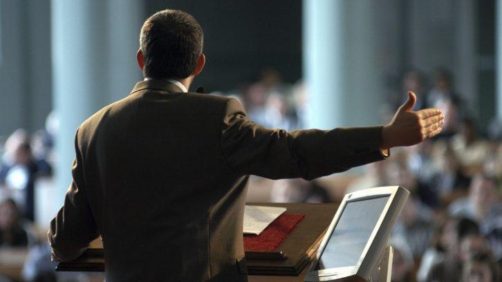 Eine Rede vor großem Publikum halten will gelernt sein