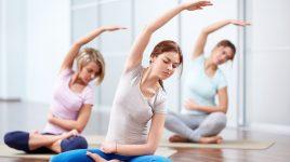 So kann eine Yoga Übung aussehen