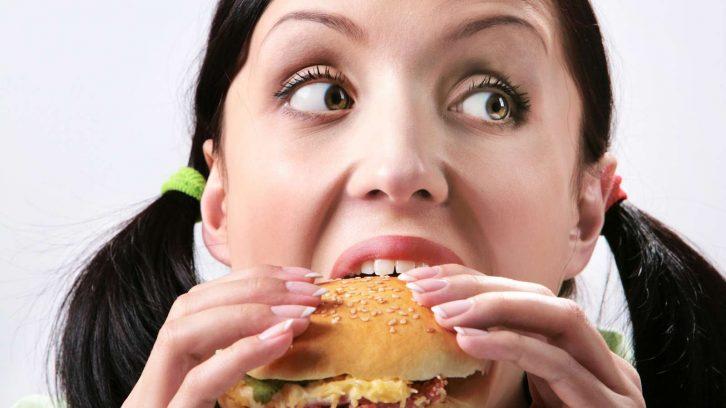 Schlechtes Essen macht hungrig statt satt