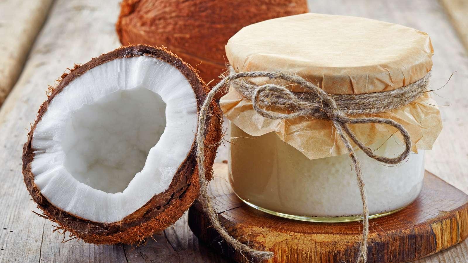 so gesund ist kokos l beim kochen backen und als kosmetikprodukt evidero. Black Bedroom Furniture Sets. Home Design Ideas