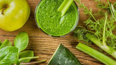 Grüner Smoothie mit frischen Zutaten