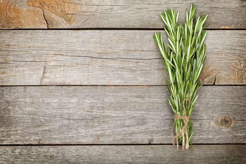 Das Küchenkraut Petersilie Als Heilpflanze | Evidero Wie Man Einen Gesunden Gemuse Garten Plant Und Aufrechterhalt