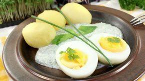 Frankfurter grüne Soße mit halbiertem gekochtem Ei