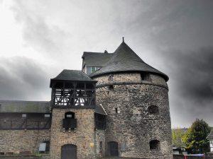 Das Schloss mit dem Namen Burg
