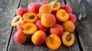 Rezepte mit Aprikosen auf Holz