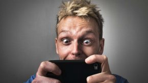 Social Media Sucht: Weniger Facebook Freunde sind besser