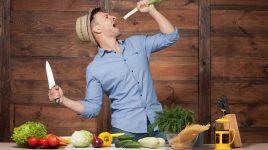 Spaß beim Kochen: Ernährung gegen Schmerzen