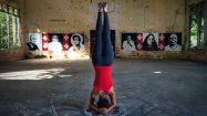 Yoga Kopfstand in Indien