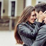 Glückliches Paar: Diesen Liebesmythen solltest du nicht glauben