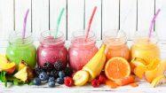 Frische Früchte und Fruchtsmoothies für die Gesundheit
