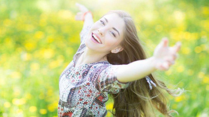 Glücklich durch die Sonne im Frühling mit Vitamin D