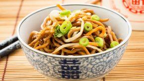 Kochen mit Tee: Asiatische Nudelsuppe