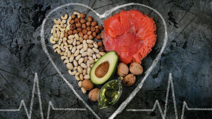 Gesundes Fett: Avocados, Nüsse, Lachs