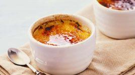 Creme Brulee und andere Desserts mit Kurkuma
