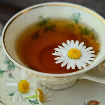 tee aus Kamillenblüten