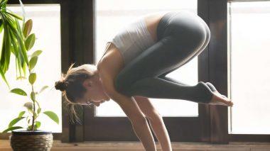 Yoga Krähe lernen