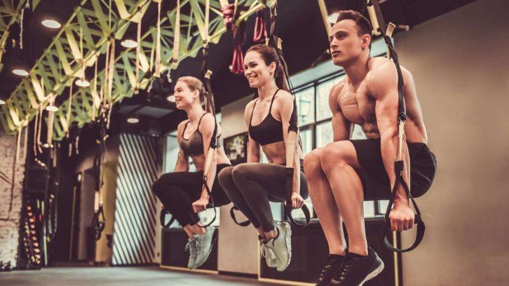 Schlingentraining im Fitnessstudio
