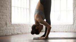 Beweglichkeit und Flexibilität bei dieser Vorbeuge aus dem Yoga